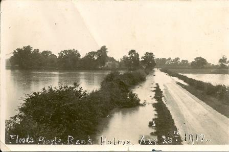 Floods at Pingle Bank 1912, looking towards the village from the bridge.